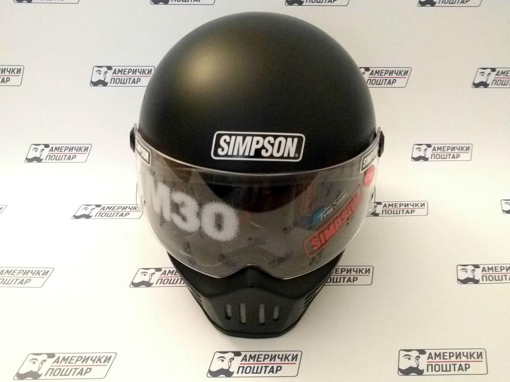 Simpson crna kaciga za glavu na Američki poštar pozadini